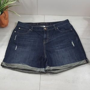 Jennifer Lopez Boyfriend denim shorts size 12